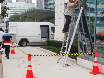 retracta-cone-cone-topper-15-ft-sidewalk-construction